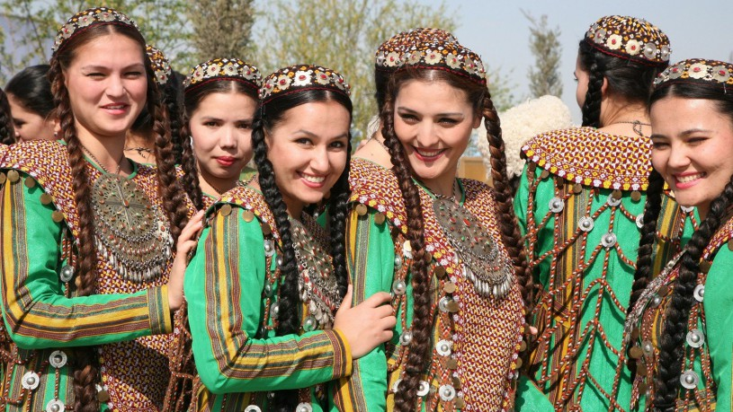 150_turkmen-national-performance
