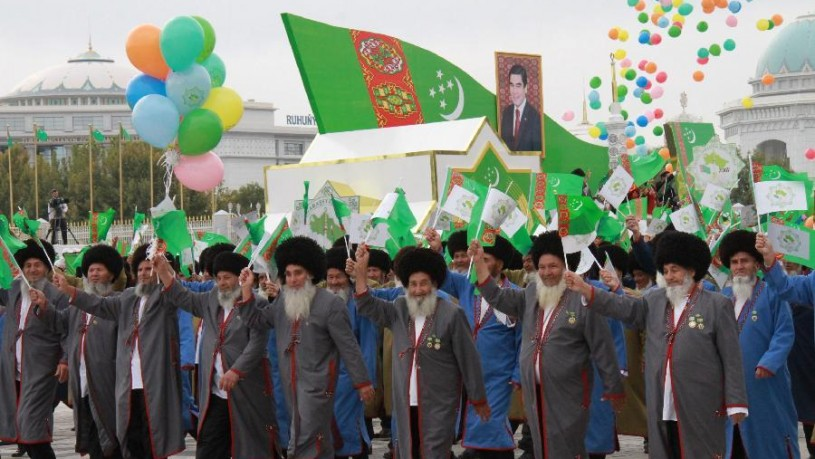 turkmenistan-parade