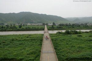 Visit Korea -- by bus or on foot