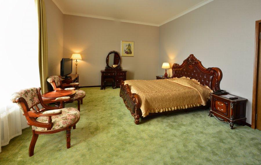 Pothonggang Hotel Room
