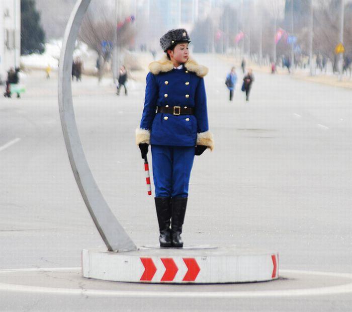 North Korea Blogs - Traffic girls