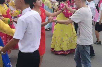 Mass Dance happening during our Korean Language Study Tour