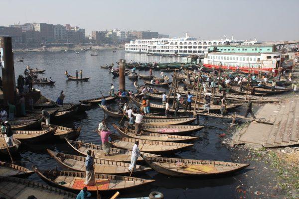 Small barges around Dhaka