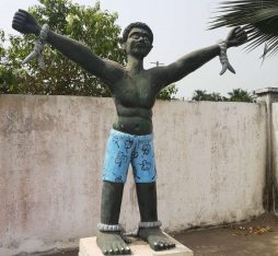 Statue of the slave trail of Benin