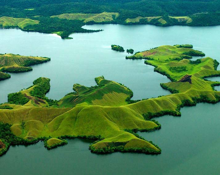 Lake Sentani, visiting it is one of the best things to do in West Papua.