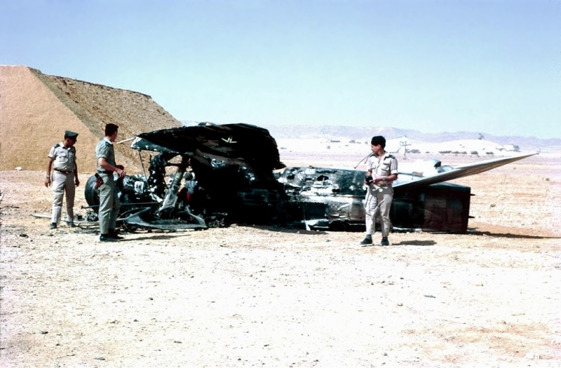 Israelis inspecting a destroyed Egyptian plane